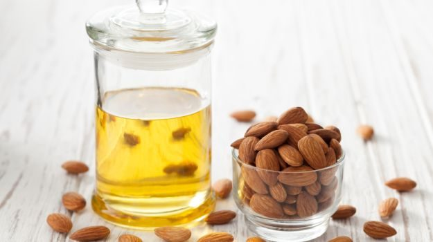 natural-moisturizers-almond-oil
